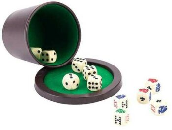 poker dobbelbeker